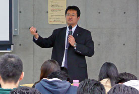 講師の吉野さん